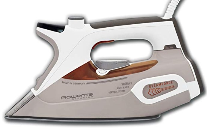 Rowenta DW9081 Steamium Iron